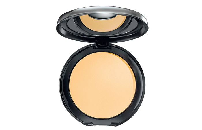 1. Lakme Absolute White Intense Cover Wet and Dry Compact