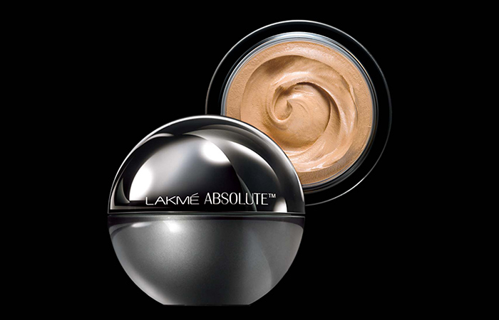 4. Lakme Absolute Matt real Skin Natural Mousse